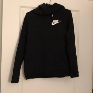 Nike Scoopneck women's pullover size medium